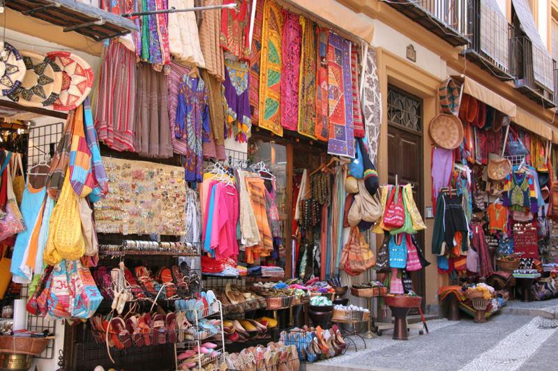 Walking around Granada: Sacromonte and Albayzin