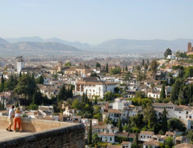 Walking around Granada: Sacromonte, Albayzin and Alhambra forest
