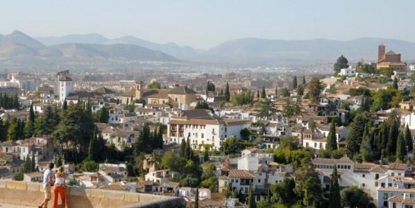 Walking around Granada: Sacromonte, Albayzin and Alhambra forest