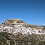Day 2: Granada, transfer to Pinos Puente, on foot to Moclín. 16 km, 700 m ascend